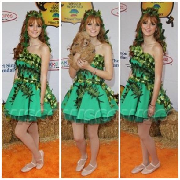 """20 octobre 2012 Bella et Tristan à la 20ème édition du """"Camp Ronald McDonald""""  sa robe etait avec des feuiles vert et des chausson de dance pour moi ses un top et vous top ou flop"""
