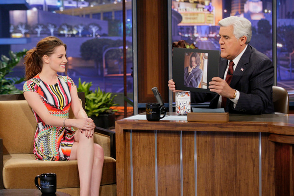 "Lundi 5 Novembre 2012 : Kristen dans l'émission ""The Tonight Show With Jay Leno"" :"