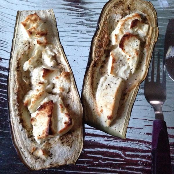 Aubergines  + féta au four, un délice.