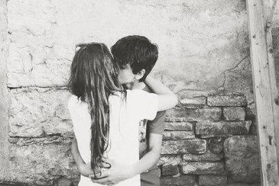 # Chapitre deux; Le bonheur c'est ici, dans ses bras.