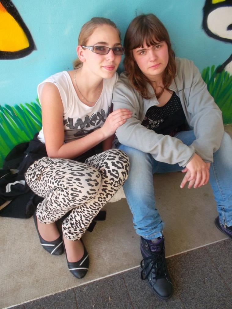 voilà ma soeur que j'aime trop les journée en classe avec elle et tous que du bonheures je t'aime ma cherie
