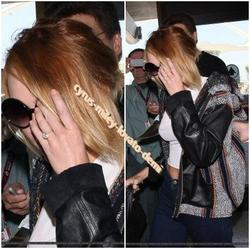 07.06.12 : Miley arrive à l'aéroport LAX , Los Angeles.