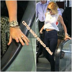 07.06.12 : Miley arrive à l'aéroport , Nouvelle-Orléans ( LOUISIANE )