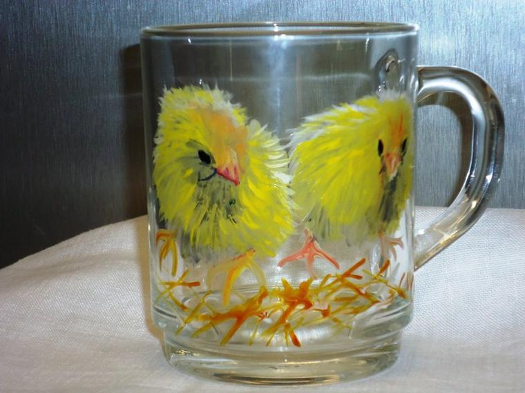 Une tasse de deux poussins