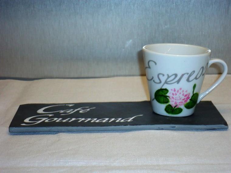 """Tasse à café """"LES NÉNUPHARS"""" peinte à la main."""