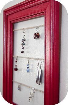 ஃ Un cadre porte bijoux