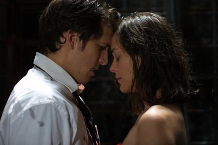 """""""Le paradis, c'est la fusion de deux âmes dans un baiser d'amour - George Sand"""""""