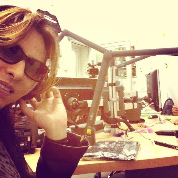 https://www.facebook.com/YoshikiOfficial/photos_stream
