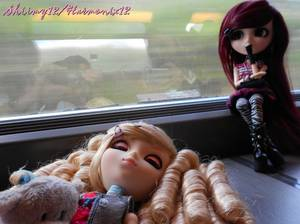 Séance photo-Photoshoot n°4---->Mes vacances à Paris,Alice dans le train !