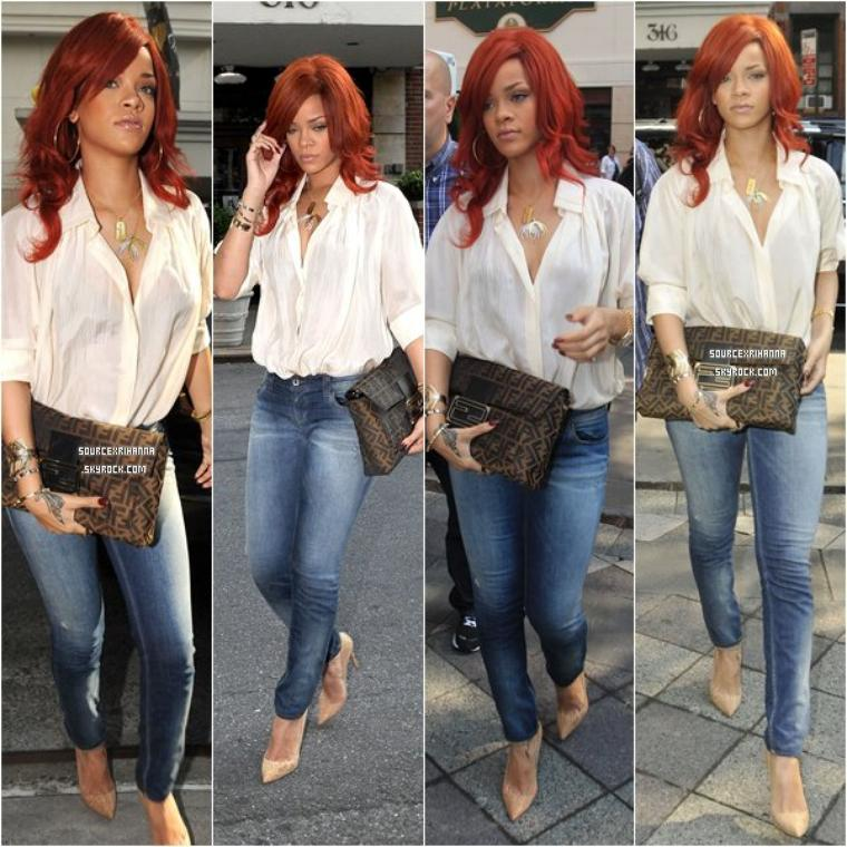 C A N D I D  | 20 JUILLET 2O11 Rihanna dans les rues de New York puis se rend aux bureaux de Def Jam. Le lendemain elle quitte son hôtel dans une superbe robe.
