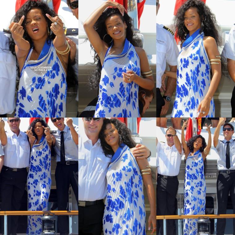 29JUILLET// Rihanna accompagné de ses amies se promenant dans les rues de Monte Carlo.