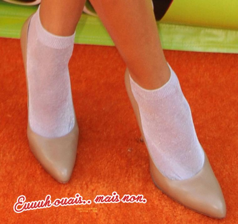 27/03/10: La jolie Rihanna Fenty était présente aux Kids Choice Awards.