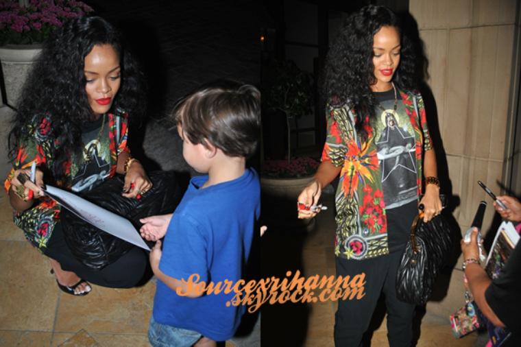 20AOÛT// Rihanna de retour après son voyage au Japon, la voilà maintenant à Los Angeles.