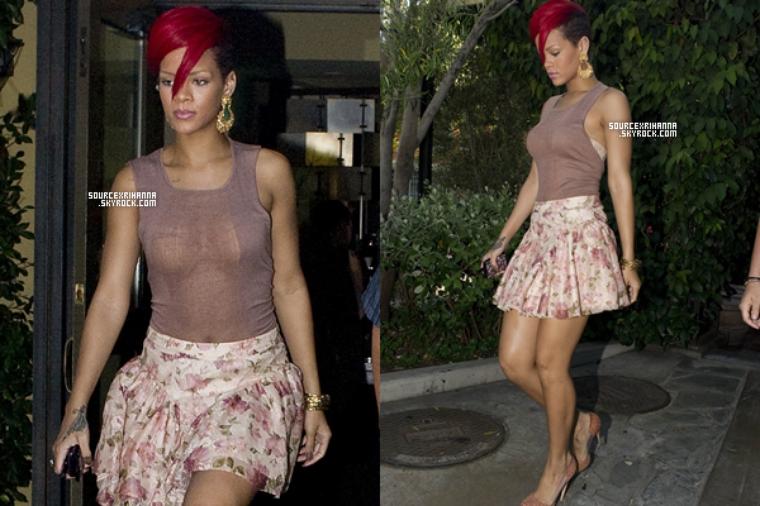 04/08/10: Rihanna quittait le restaurant italien Ago dans le West d'Hollywood. ceci est un article dit : « flash-back » qui a pour but de compléter le blog quand il n'y a pas de news.