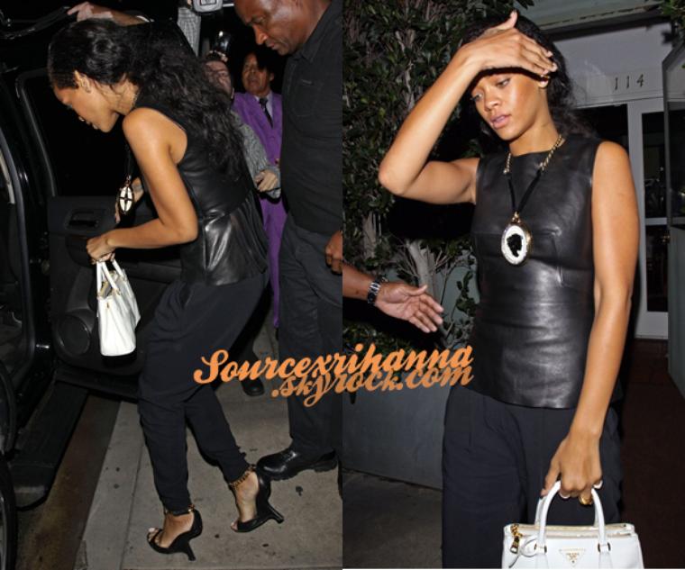 23AOÛT// Rihanna a était vu quittant le restaurant  « Giorgio Baldi » toujours à Los Angeles. Désolé la présentation n'est pas comme d'habitude mais je n'ai pas eu le temps..