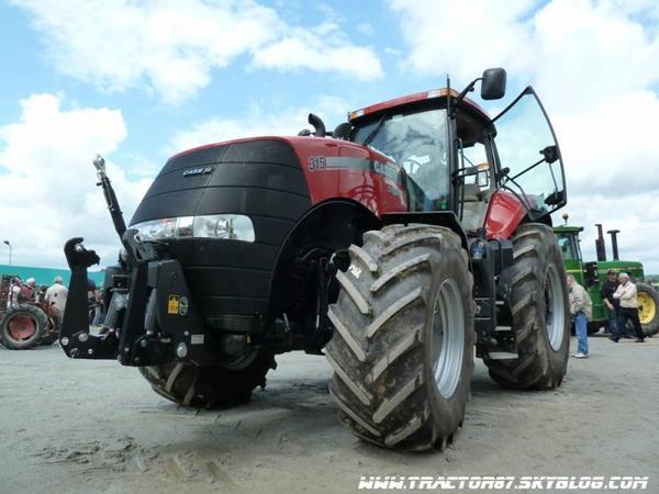 - Fête du Tracteur Rouge Folles -