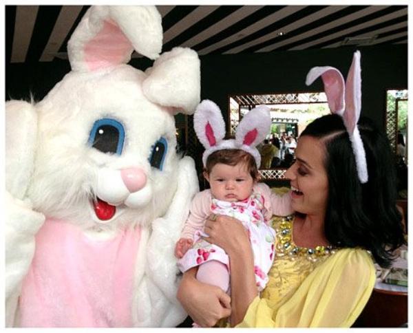TWITTER] Katy & Kai vous souhaitent de joyeuses Pâques (+Photo) //  John Mayer parle de sa rupture avec Katy, sur le plateau de Elllen DeGeneres ! // + INFO UNICEF avec Miss Perry