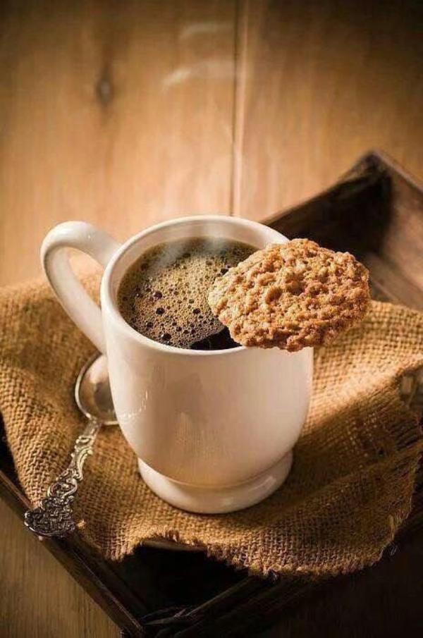 C'est une joie de partager un agréable petit déjeuner. Bonne journée à tout le monde!
