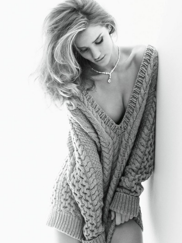 Rosie Huntington-Whiteley for Vogue  ( November 2011 )