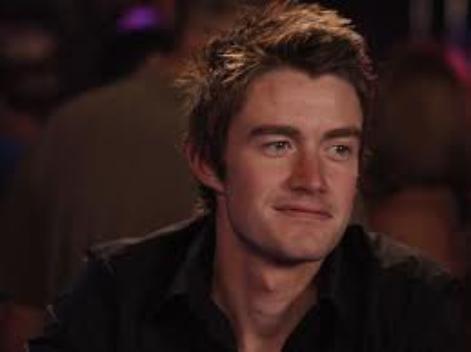 Clay Evans ===> Robert Buckley