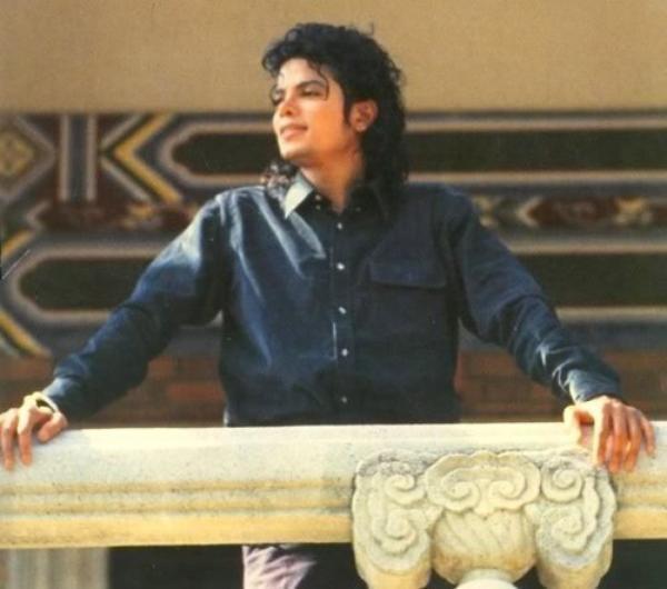 Le Vendredi 23 Octobre 1987, Michael Jackson est en Chine.