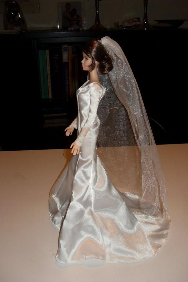 Barbie - Bella Cullen en mariée ! acheter a Londres :-)