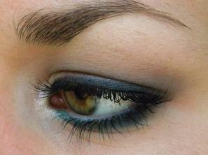 Le maquillage d'Effy Stonem dans Skins.