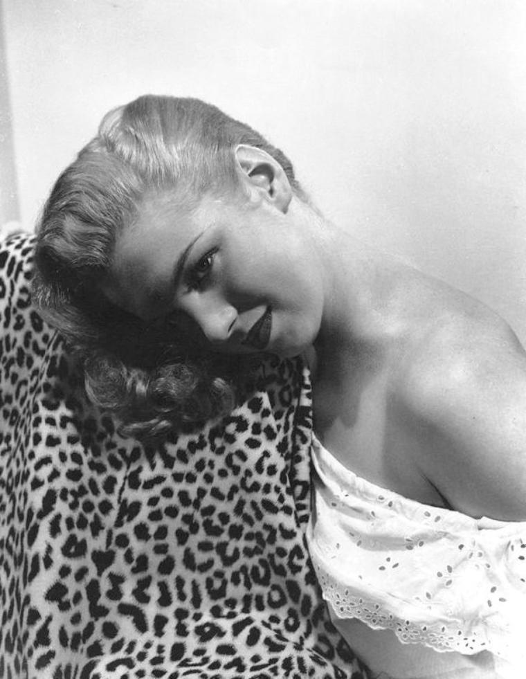 Norma Jeane blonde (part 2).