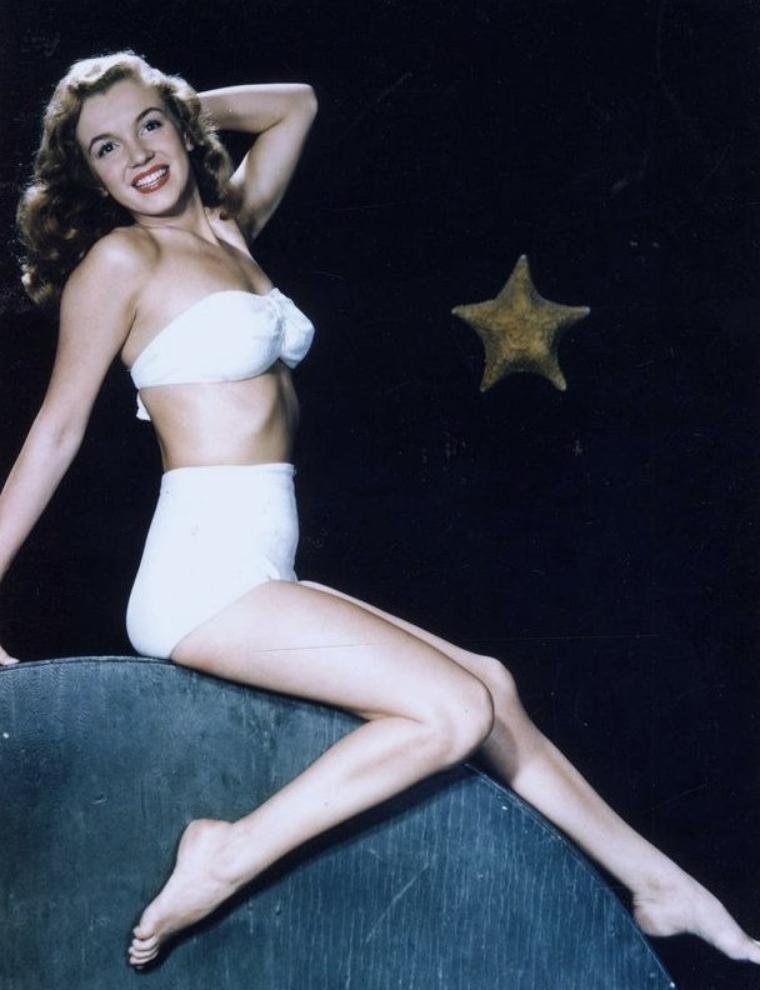 Bruno BERNARD immortalise Norma Jeane définitivement en pin-up en 1946.