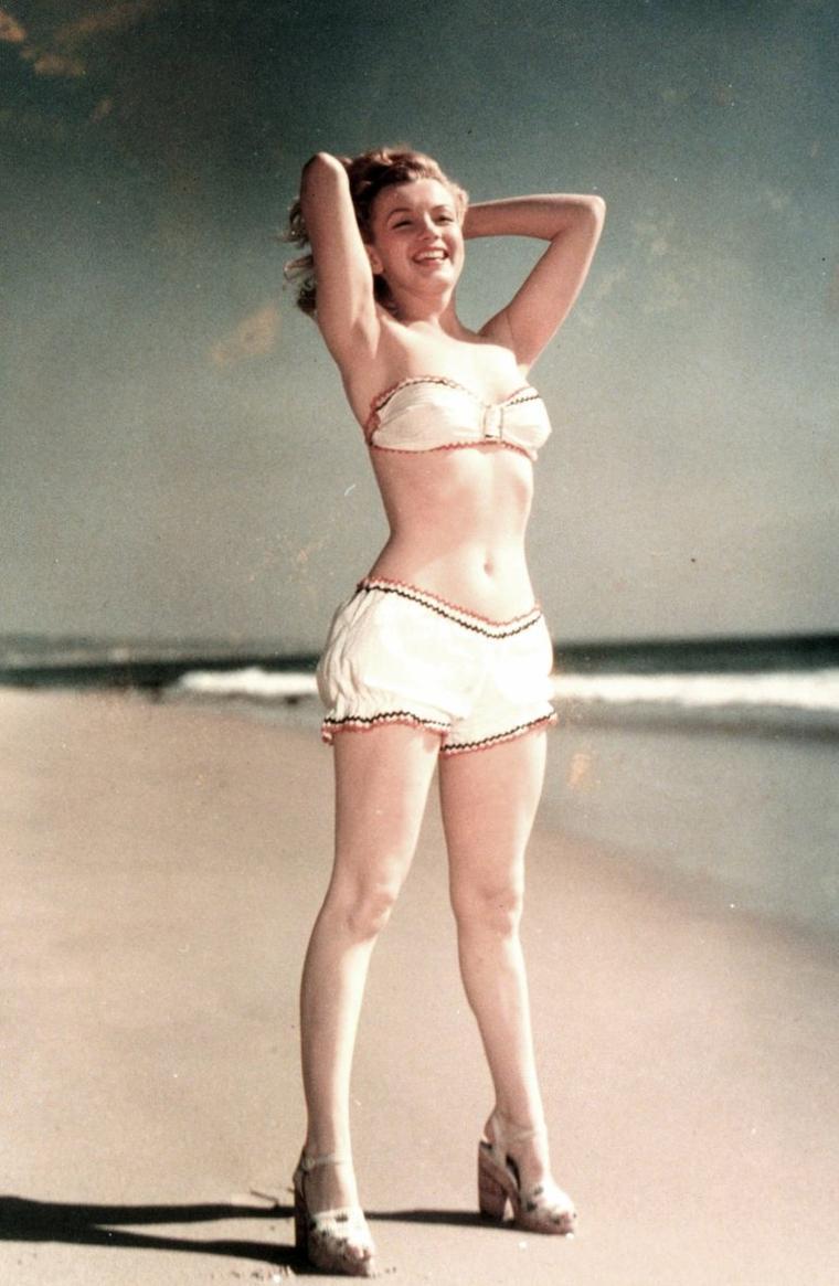 Young Marilyn MONROE dans l'oeil de Laszlo WILLINGER en 1947.
