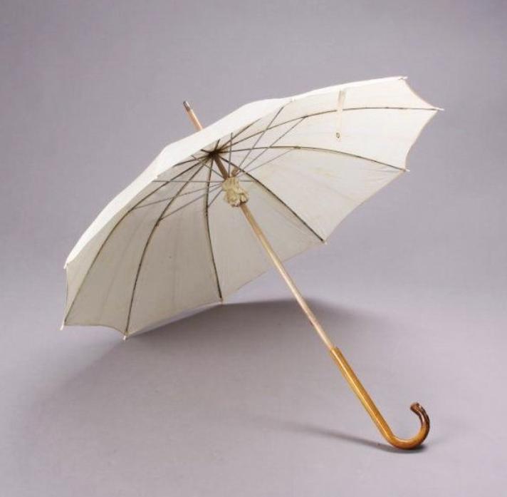 Tobey-Beach, Long-Island, été 1949 by André De DIENES (part 9) (session ombrelle blanche avec seulement 2 clichés).