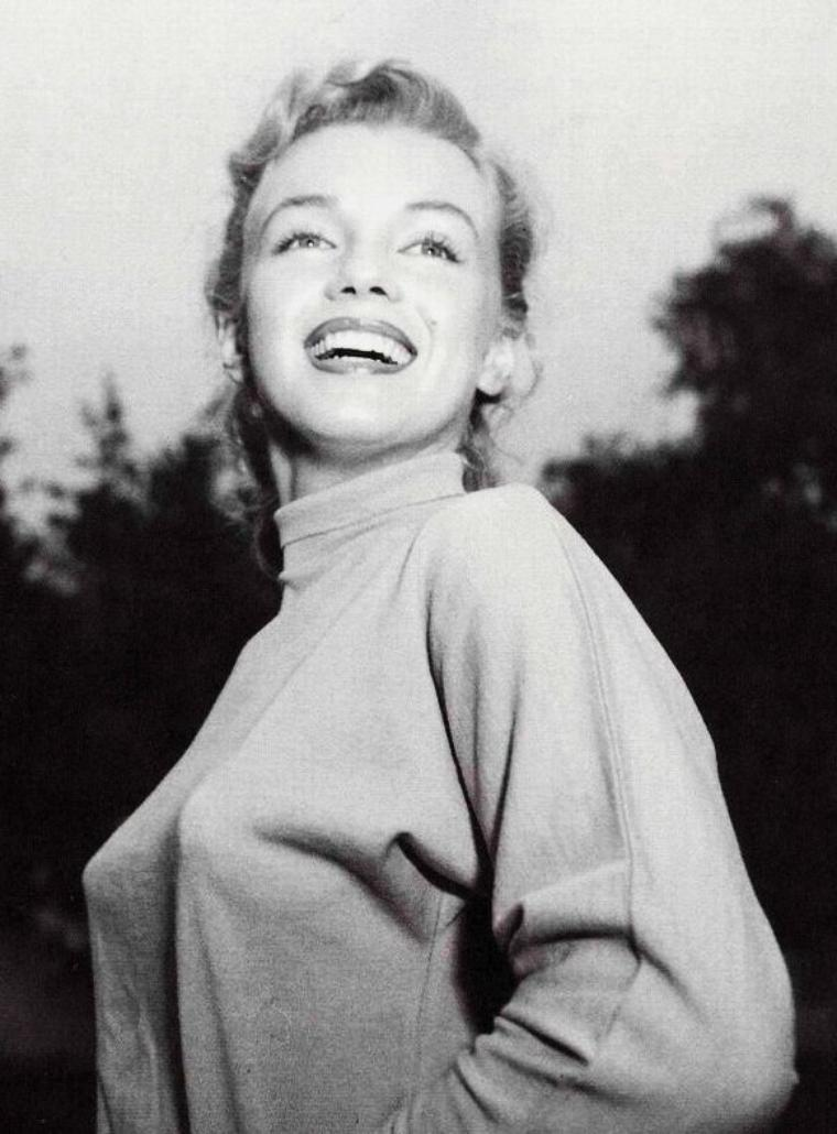 1950 / Session by Earl LEAF, Marilyn en polo et short (part 2).