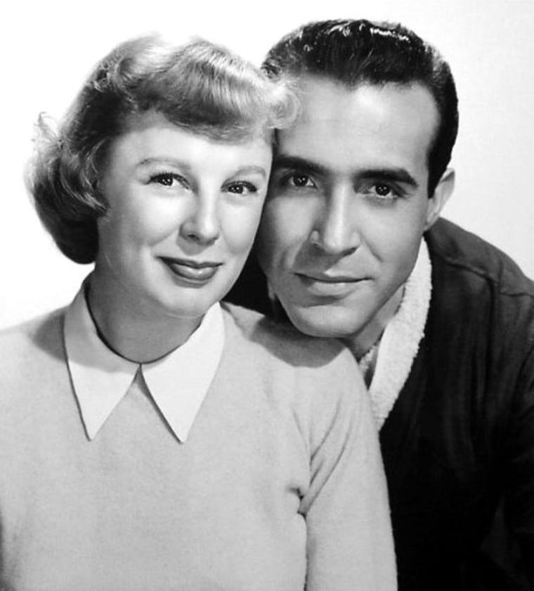 """1950 : Une apparition pour Marilyn dans ce film de John STURGES, """"Right cross"""" dont les acteurs principaux sont June ALLYSON, Ricardo MONTALBAN (photo) ou encore Dick POWELL ; Synopsis / Boxeur professionnel, Johnny est amoureux de Pat O'MALLEY, la fille de son manager. Mais ses jours de sportif sont comptés, une grave blessure à la main pourrait bien précipiter la fin de sa carrière."""