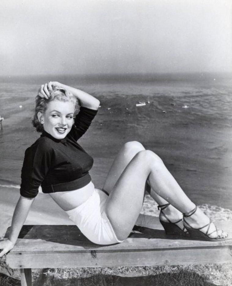 1951 : Marilyn photographiée par J.R. EYERMAN, sur les hauteurs de Hollywood (part 3).