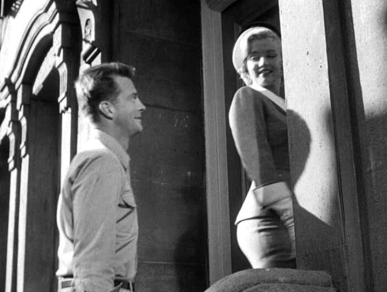 """1951 : """"Love nest"""" (Nid d'amour). Au départ je ne voulais pas mettre de captures de films mais là je trouves celles-ci particulièrement belles (on pourrait croire des photos). J'espères que les admirateurs apprécieront..."""
