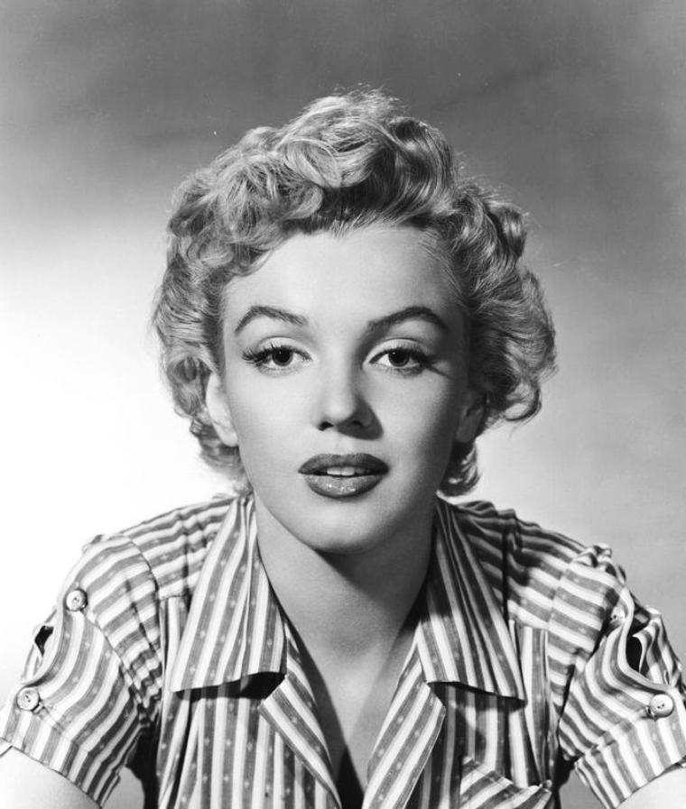 """1952, photos publicitaires de Marilyn pour le film """"Clash by night"""", prisent par Bob TOLME."""