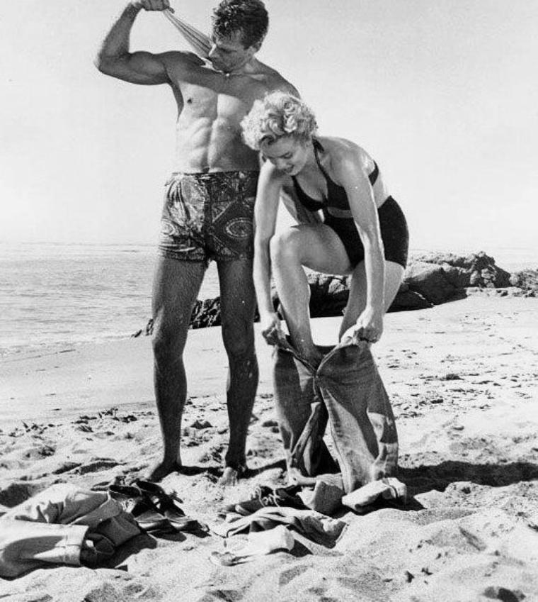 """1952, """"Clash by night"""" (Le démon s'éveille la nuit) (photos du film dont celle des 4 autres protagonistes, Barbara STANWYCK, Keith ANDES, Paul DOUGLAS et Robert RYAN)."""