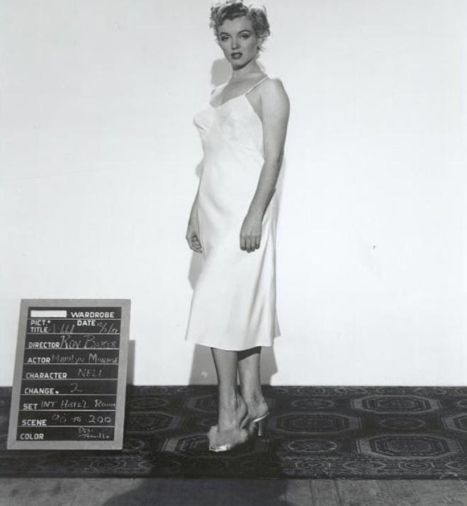 """1952, ESSAIS COSTUMES pour le film """"Don't bother to knock""""."""