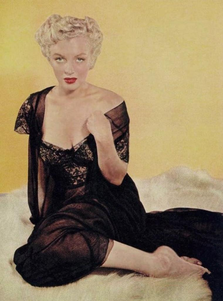 1952, Marilyn photographiée par Slim AARONS.