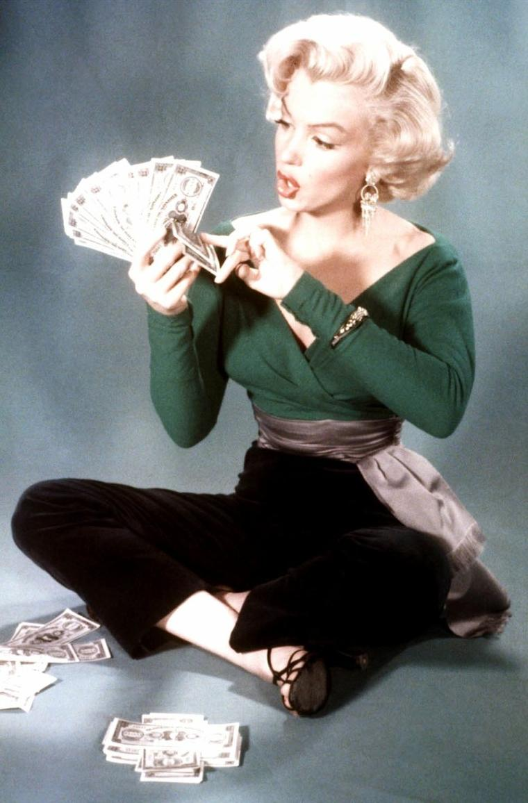 "1953, photos publicitaires de Marilyn prisent par John FLOREA pour le film ""Gentlemen prefer blondes"" de Howard HAWKS."