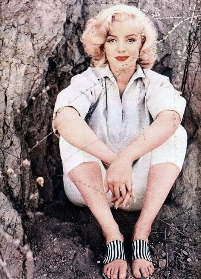 "1953, Marilyn by Milton GREENE, session ""Rock"" (part 2)."