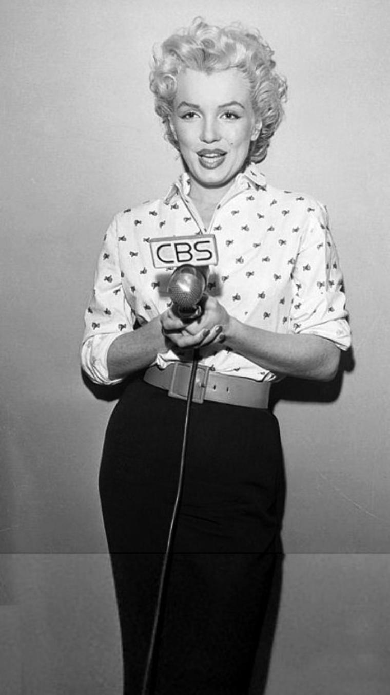 1954, Marilyn participe à une émission de radio à la C.B.S.