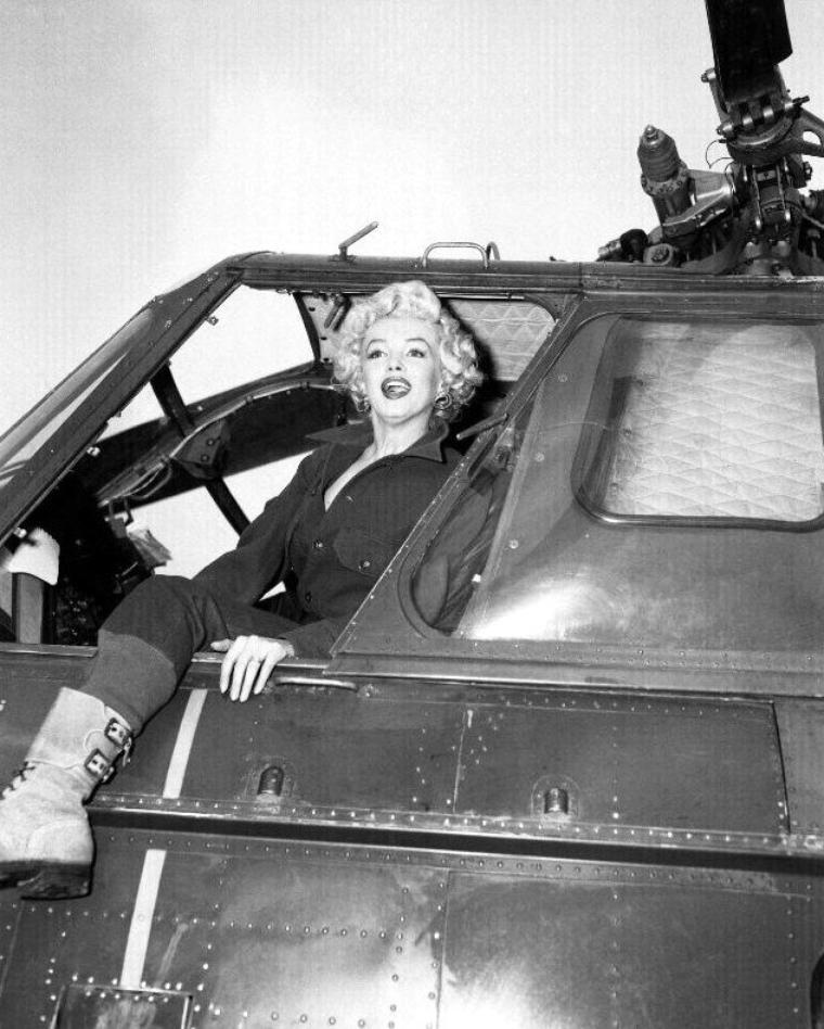 """Marilyn s'amusa donc énormément: """"Pour la première fois de ma vie, j'ai le sentiment d'appartenir à une communauté, et que les gens qui me regardaient, m'aimaient et m'acceptaient... Pour la première fois, je me suis sentie une star de cinéma."""""""