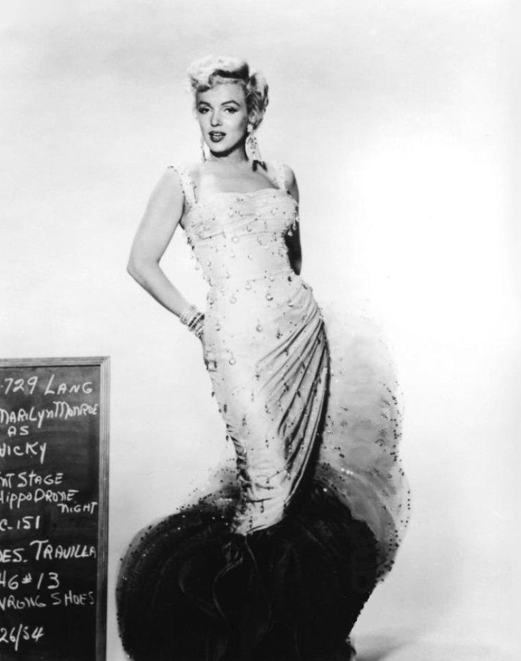 "1954, ESSAIS COSTUMES signés TRAVILLA pour le film ""There's no business like show business"" (La joyeuse parade) de Walter LANG."