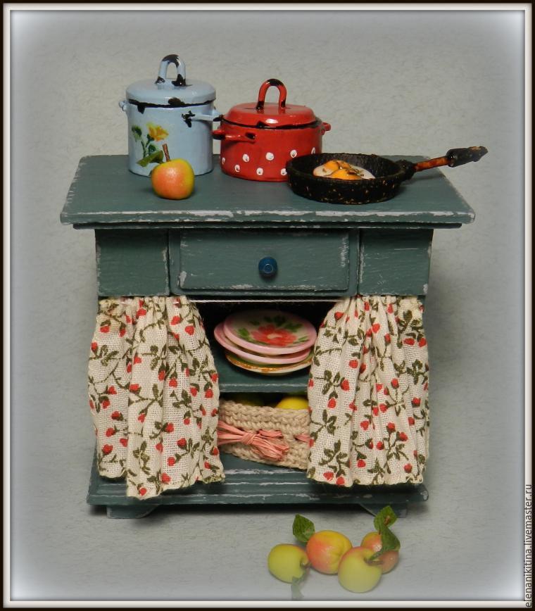 Fabriques un meuble de cuisine pour tes poupées.