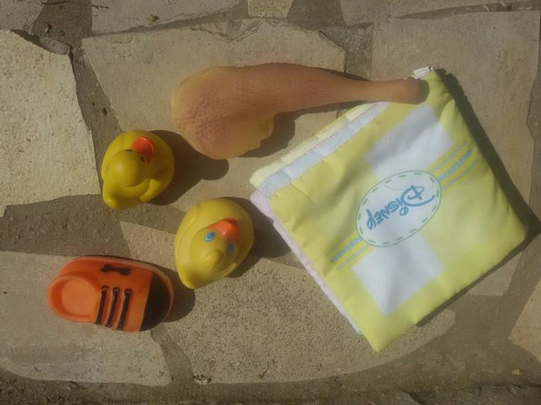 Poupée KIngdom Daisy et les cadeaux offerts par Vanessa pour Sofia et Lily (trois photos)
