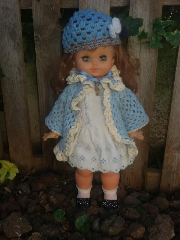 Je suis une jolie Clodrey avec ma robe d'origine.
