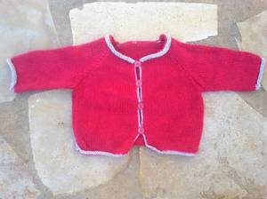 J'ai reçu en  cadeau de jolis tricots vintage pour mes poupées.