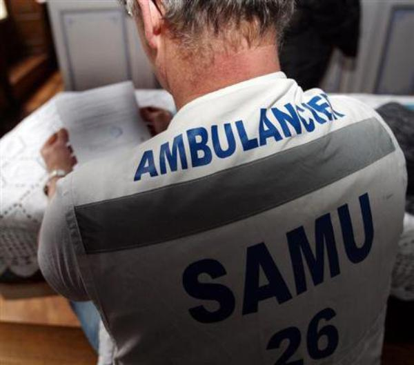 AMBULANCIER SMUR