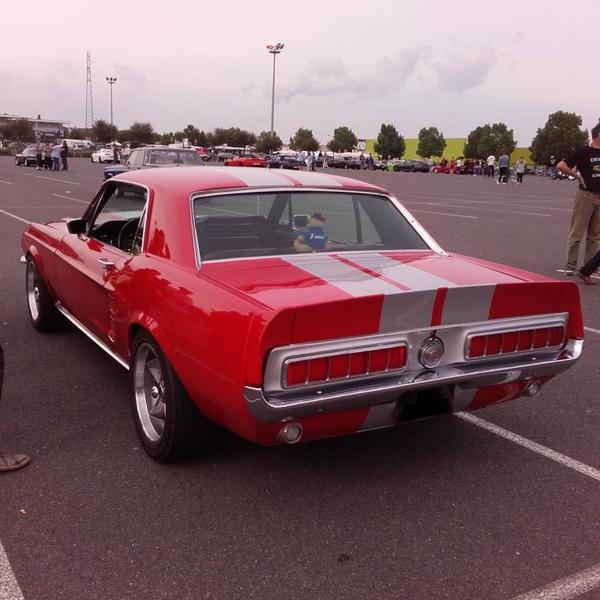 // ARTICLE SPECIALE FORD MUSTANG //